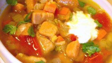 Curry-s édesburgonyaleves