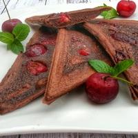 Diétás csokis-meggyes háromszögek