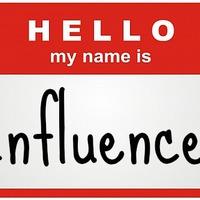 Bloggerek, olvasók, influencerek és kérdőívek.