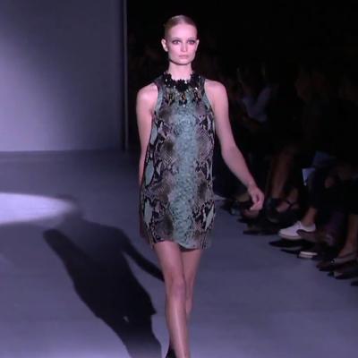 Gucci nyári ruha - kígyóbőr mintás, ujjatlan - Gucci divat 2013