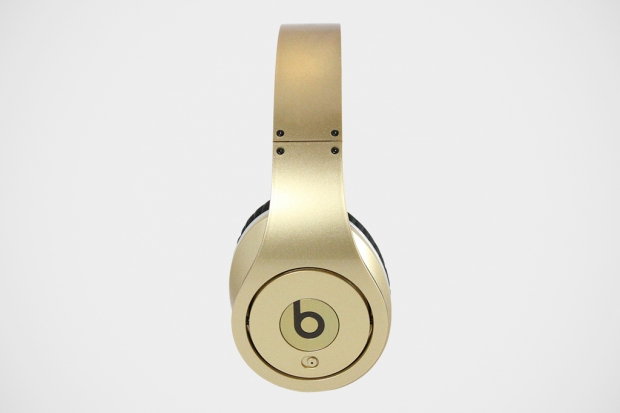 beats-team-usa-gold-medal-headphones-2-620x413.jpg