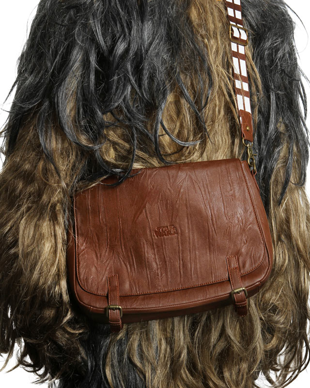 ef32_chewbacca_messenger_bag.jpg