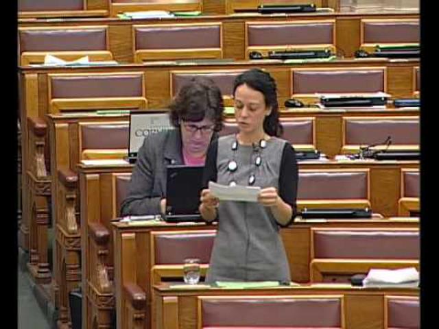 A gyermekétkeztetésről a Parlamentben