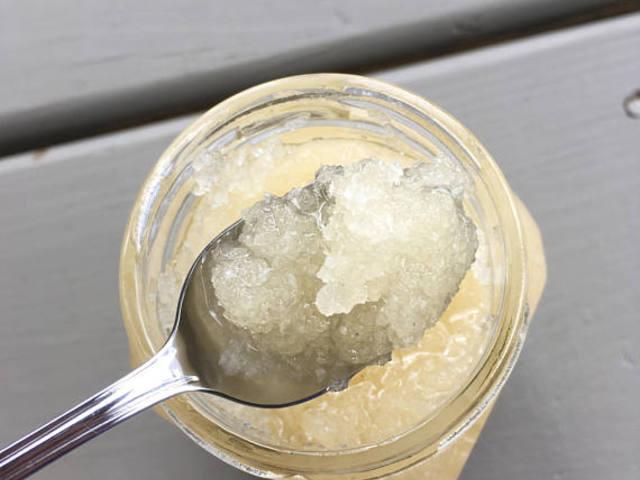 Így készíts természetes anyagokból testradírt!