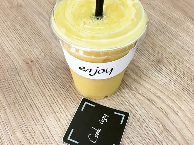 Morning mango smoothie. Yummy ☺️❤️ #lollipopnasik #lowcarb #mango #smoothie #breakfast #morning #startyourdayright #eatclean #eathealthyfood #mangosmoothie #enjoylife #foodporn #foodphotography #instadaily #instafood #foodblogger #breakfastartist #drinks #healthylifestyle #fittfood #vegan #paleo #glutenfree #lactosefree