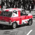 London pirosan, feketén, fehéren