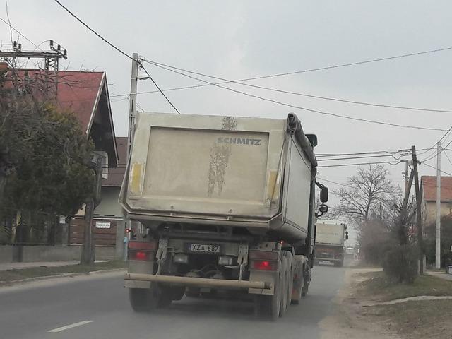 Garancsi teherautói lepték el Pestszentimrét!