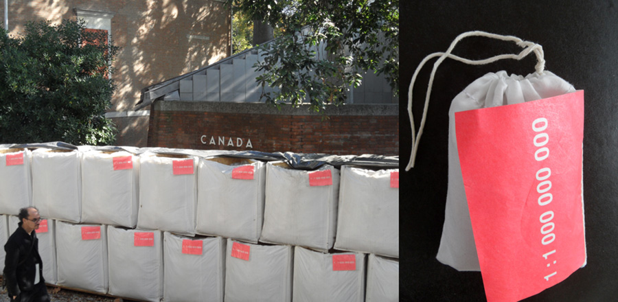 A kanadai pavilon Extraction kiállítása a 2016-os Építészeti Biennálén és az ajándékzsákocska