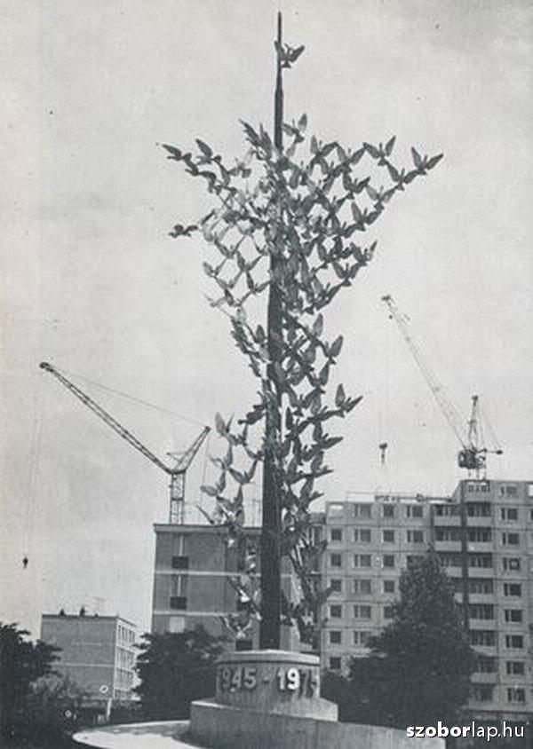 Kiss István felszabadulási emlékműve Dunaújvárosban