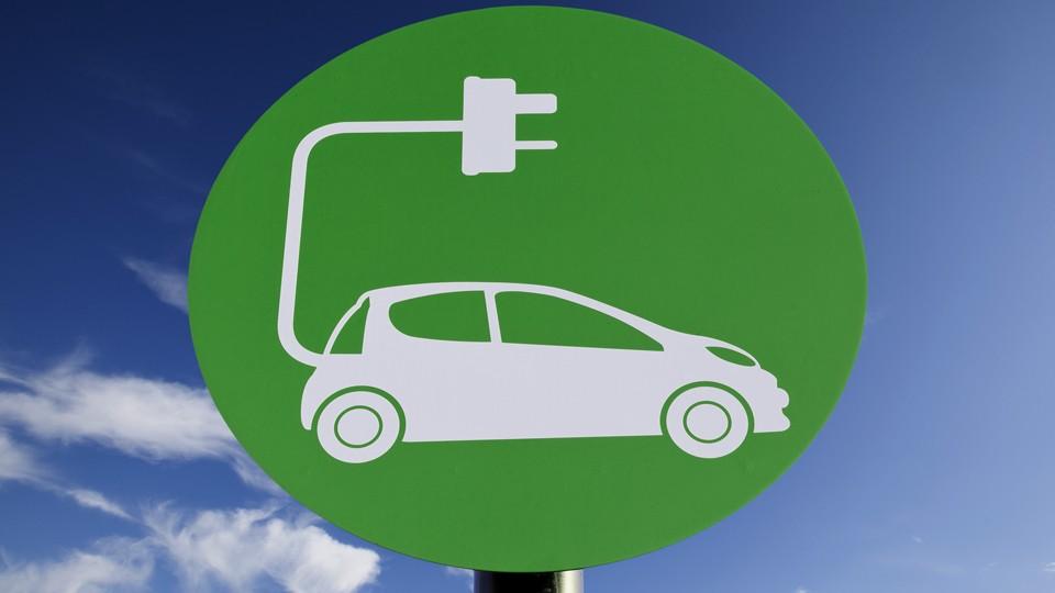 elektromos-auto-e1448021960330.jpg