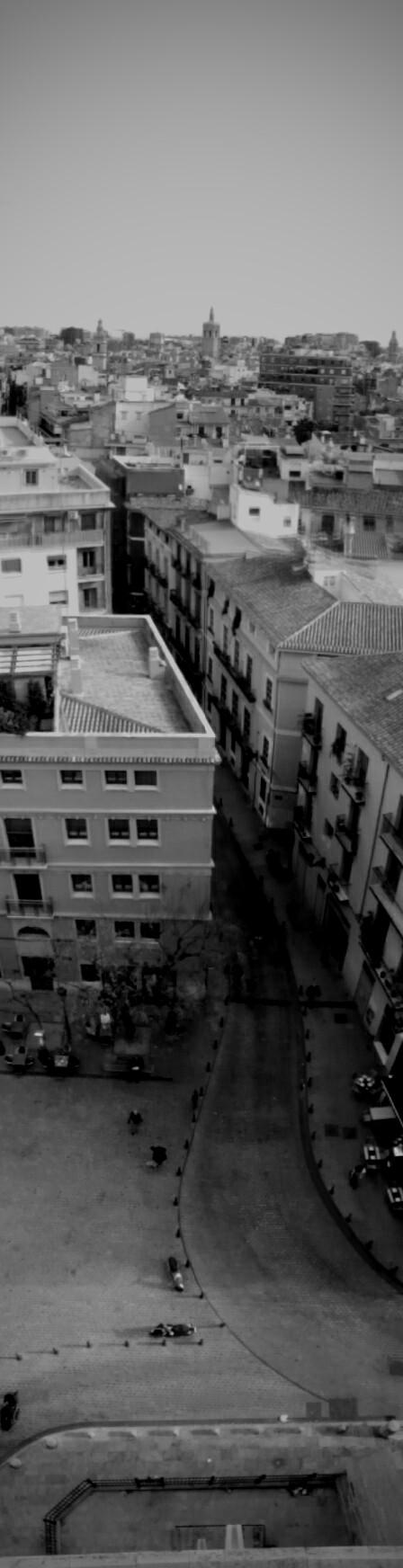 ez a mi utcánk, és a kép az utca végén található tornyokból készült (mert vasárnap ingyen van :D)