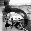 A hét fotója  #226 - Paul Almásy: Tánc a Szajna partján, 1950-es évek