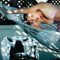 Egy színtévesztő fotográfus színes akt- és tájképei (18+)