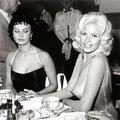 Sophia Loren és Jayne Mansfield közös fotójának története (1957)