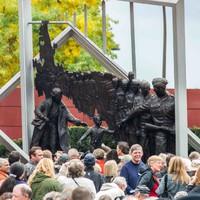6 híres fotó, mely szobrot kapott