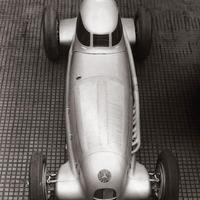 Egy magyar fotós képei a Mercedes versenyautóiról (1930-as évek)