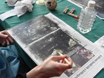 Ajándékozz egy ősfotográfiai kalandot! 57. Képíró-képolvasó hétvége: Archaikus eljárások Vékás Magdolnával