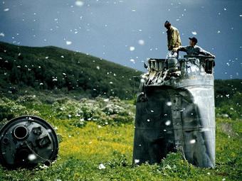Jonas Bendiksen: Műholdak, Oroszország (2000)