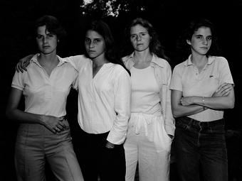 Nicholas Nixon még mindig fényképezi a Brown nővéreket - Elkészült a 2016-os fotó is