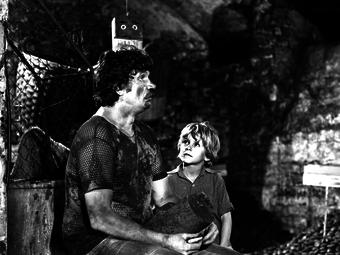 Inkey Alice standfotói az Égigérő fű című film forgatásáról (1979)