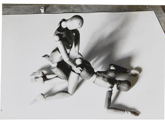 Sokkoló és csábító aktfotókat árverez el a Sotheby's (18+)
