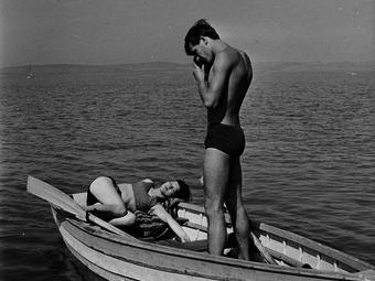Balaton, csók, házasság, kutyák és rakpart - Öt tematikus válogatás a Fortepan képeiből