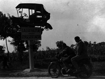 Variációk – Közlekedési balesetek a Fortepan régi képein (1928-1982)
