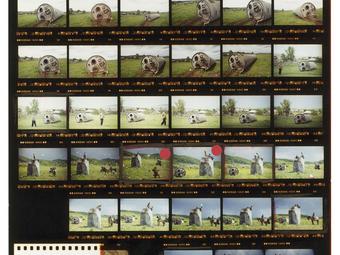 Kép-kockák #16 - Jonas Bendiksen: Műholdak (online könyv)