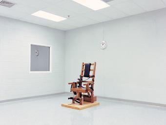 Omega lakosztályok - Lucinda Devlin fotói az amerikai börtönök kivégzőszobáiról (1991)