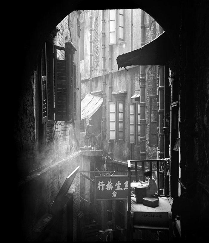 Fotó: Fan Ho: Hongkong, 1952-1964, részlet A Hongkong Memoir című sorozatból © Fan Ho