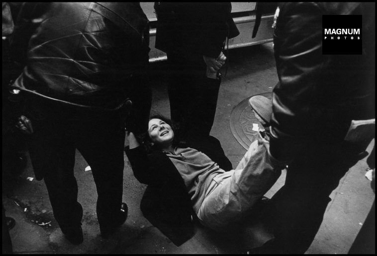 Fotó: Leonard Freed: Részlet a Police Work című sorozatból, New York City. 1979 © Leonard Freed/Magnum Photos