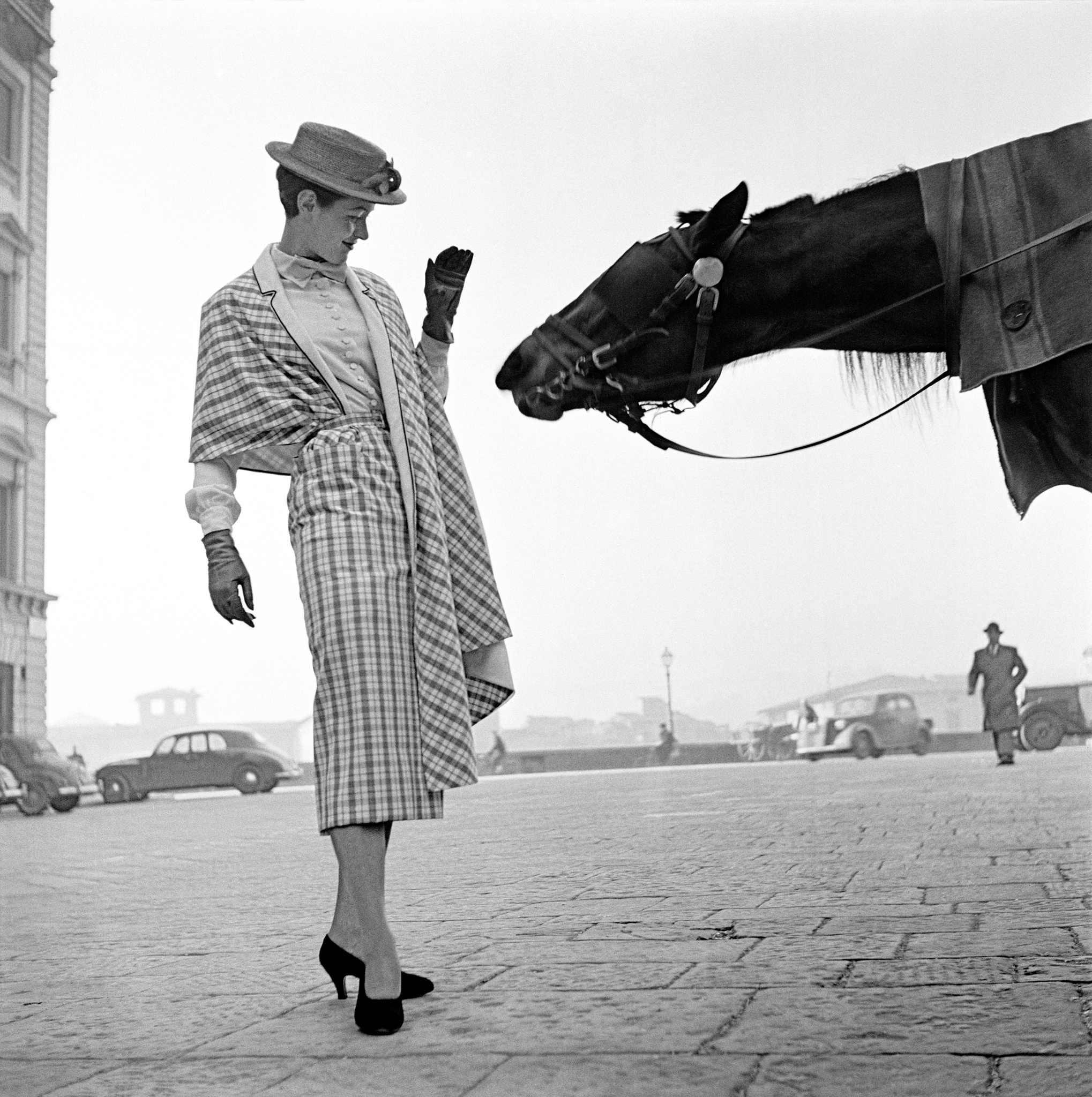 Fotó: Frank Horvat: Firenze, First Fashion Photography, 1951 © Frank Horvat