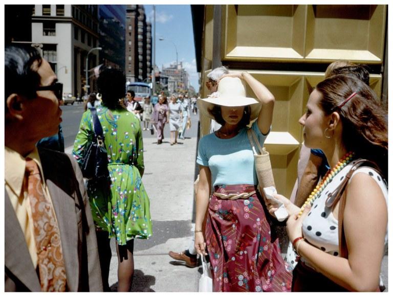 Fotó: Joel Meyerowitz:  Gold corner, New York City, 1974 © Joel Meyerowitz