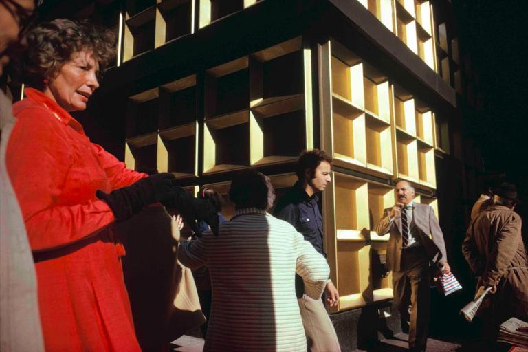 Fotó: Joel Meyerowitz: Madison Avenue, New York City, 1975 © Joel Meyerowitz