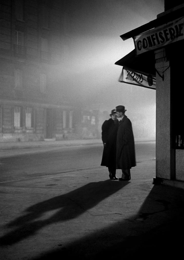 Fotó: Fred Stein: Párizs este, 1934 © Fred Stein Archive