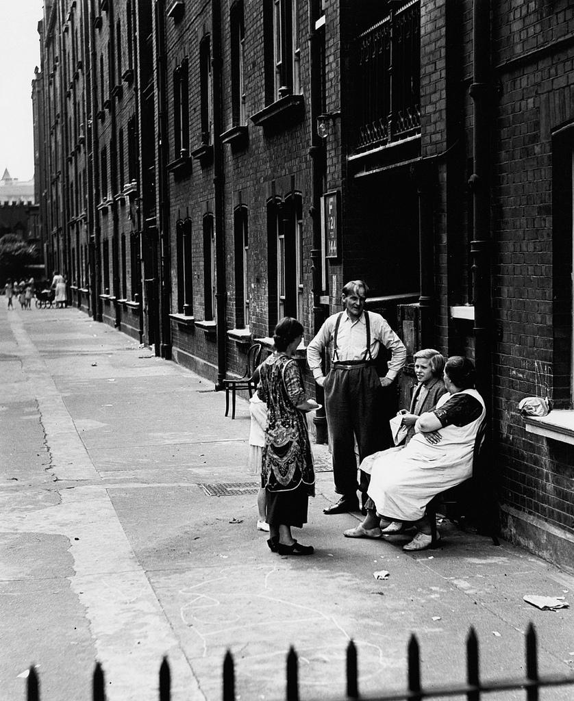 Fotó:Wolfgang Suschitzky: Stepney, London, 1934 © Wolfgang Suschitzky