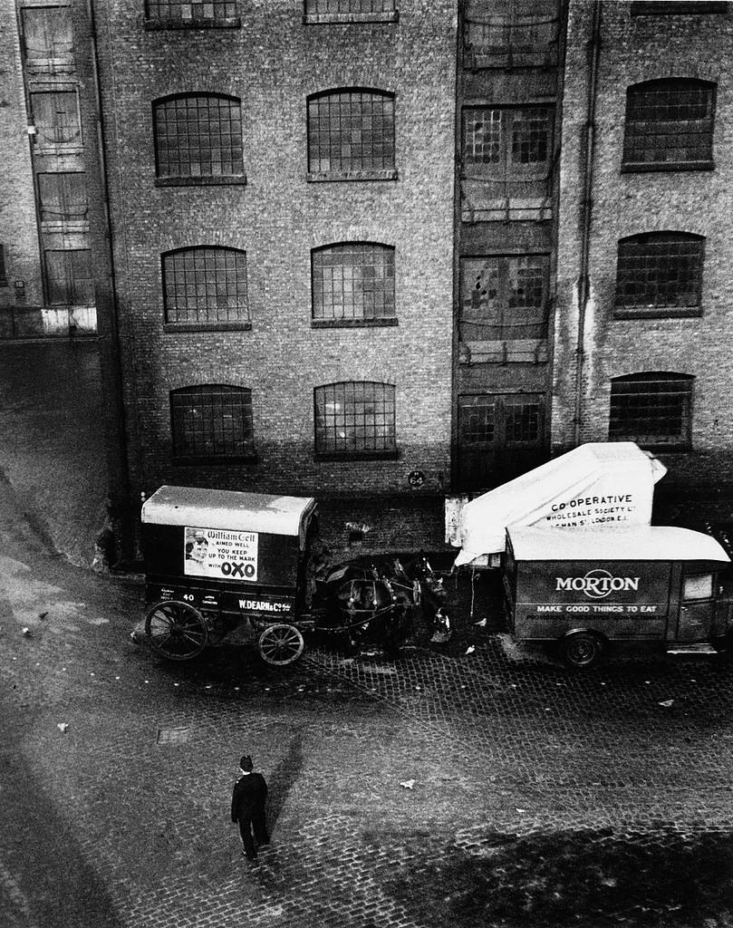 Fotó:Wolfgang Suschitzky: London Docks, 1935 © Wolfgang Suschitzky