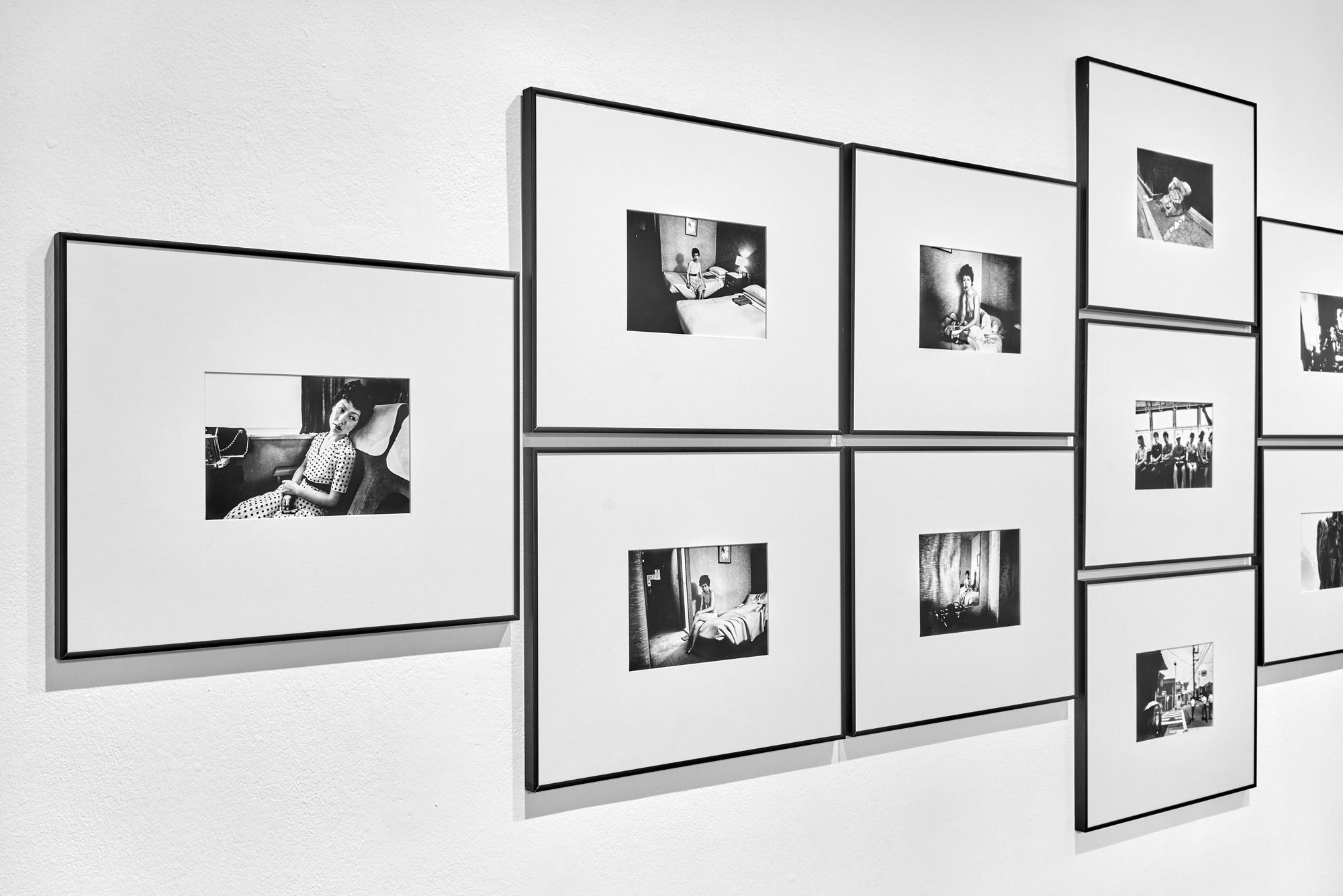 Enteriőrkép Nobuyoshi Araki: Érzelmes utazás című kiállításunkról<br />Fotó: Kiss Imre