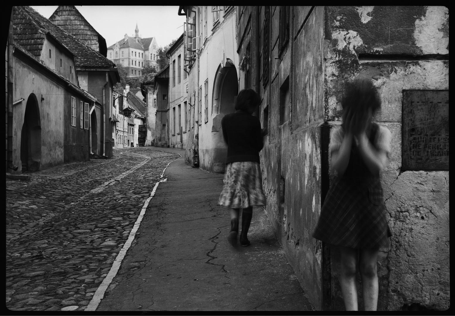 Fotó: Halas István, Segesvár '82 (Az egyetlen örökségem André Kertésztől) I Segesvár '82 My only heritage from André Kertész), 1982 © Halas István