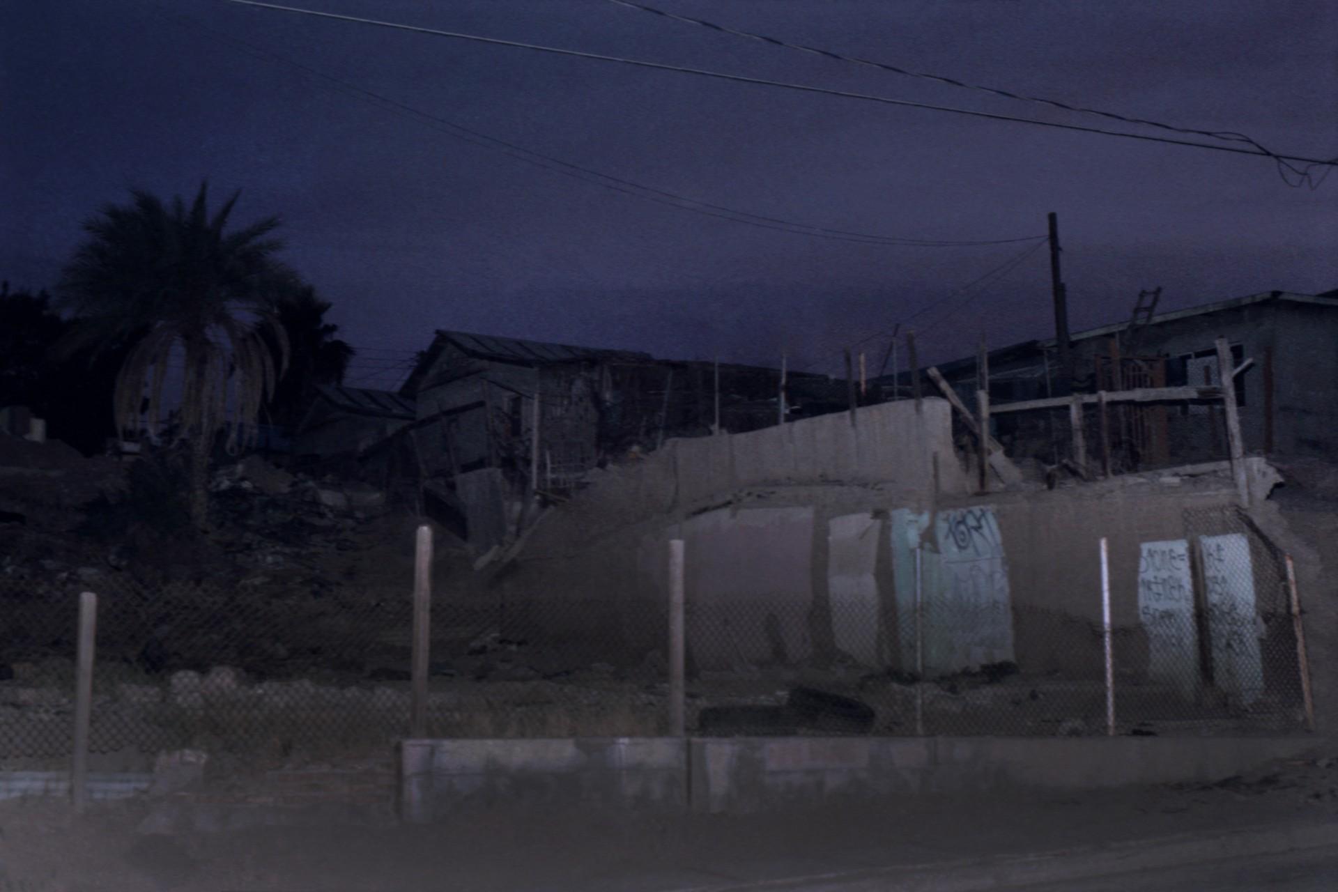 Fotó: Koleszár Adél: Lakóház a sivatagban, részlet Az erőszak sebei című sorozatból