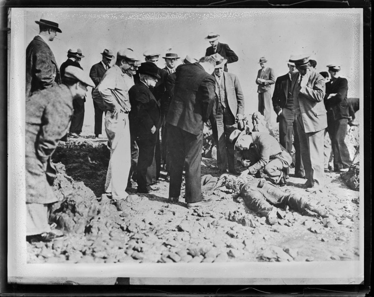 Fotó: Leslie Jones: Sikertelen gyerekrablás utáni lincselés áldozata, Kalifornia © Boston Public Library / Leslie Jones Collection