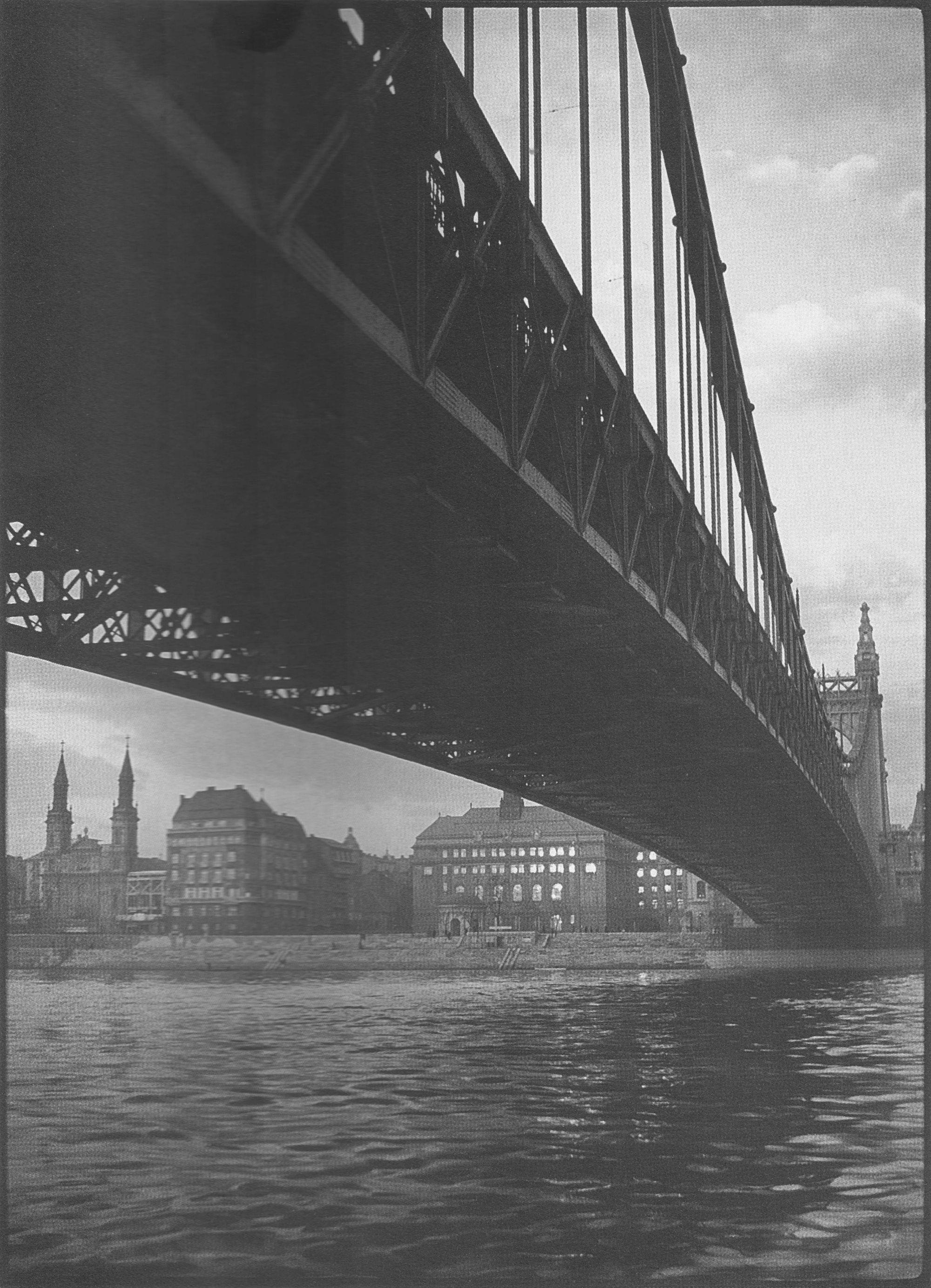 Fotó: Dulovits Jenő: Erzsébet-híd, 1930-as évek vége © Fejér Zoltán gyűjteménye