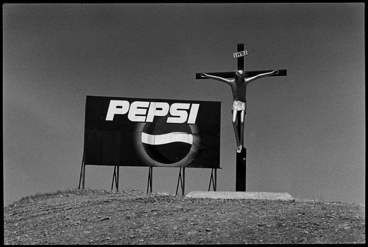 Fotó: Elliott Erwitt: Valdés-félsziget, Argentína, 2001 © Elliott Erwitt / Magnum Photos