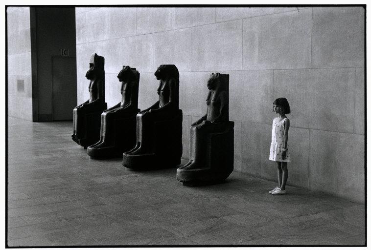 Fotó: Elliott Erwitt: Metropolitan Museum of Art, New York, USA, 1988 © Elliott Erwitt / Magnum Photos