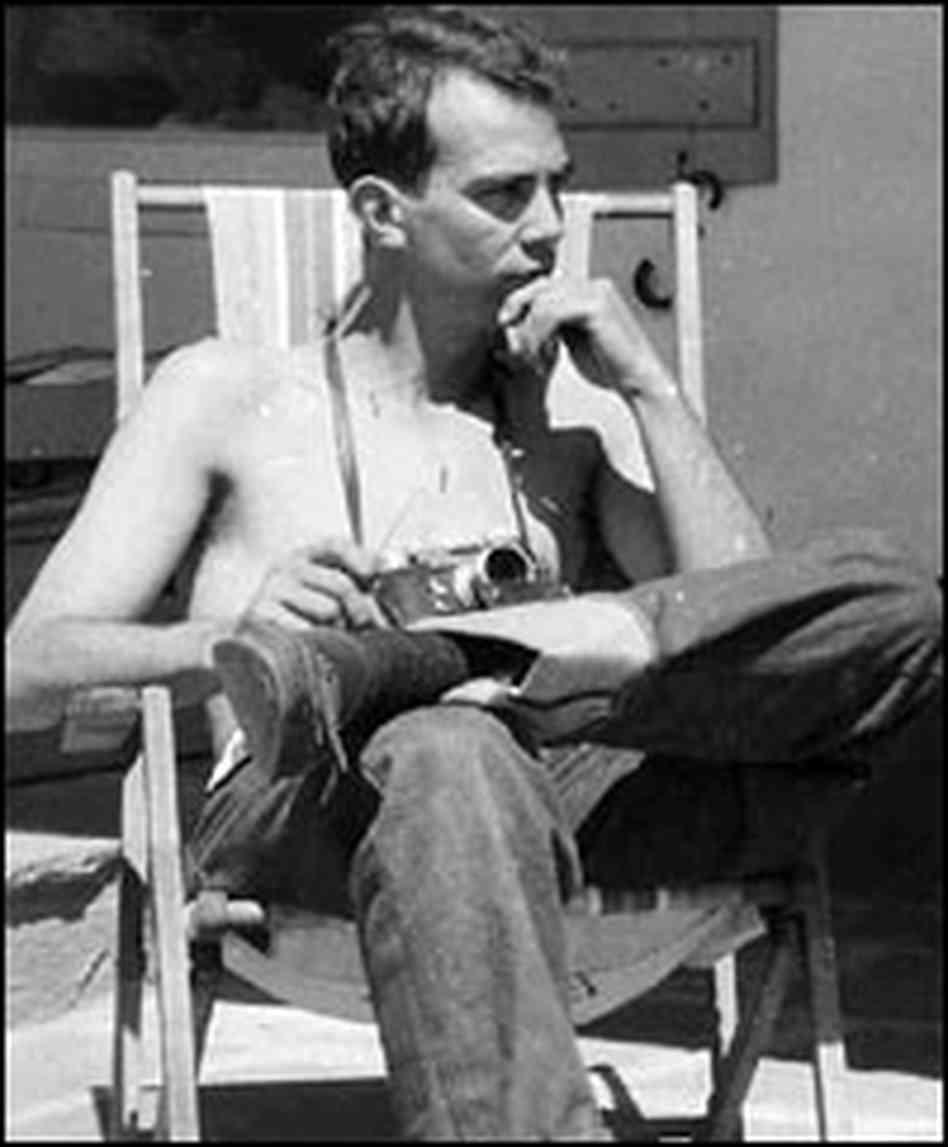Fotó: Jack W. Aeby Perfex 33 fényképezőgépével 1944-ben.