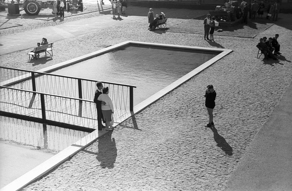 Fotó: Strand. Balatonakarattya, Magyarország, 1964.© Fortepan / Lencse Zoltán