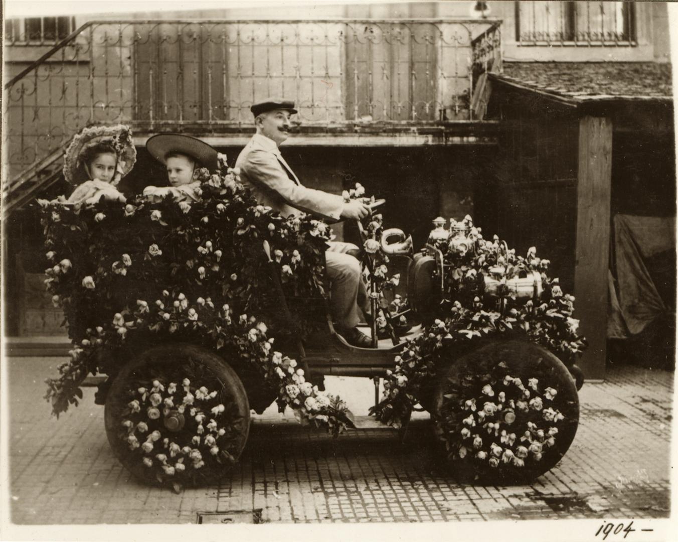 Auer J. Az első autó Szegeden.JPG