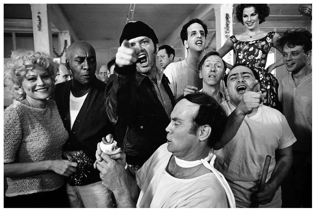 mary-ellen-mark-the-cast-of-one-flew-over-the-cuckoos-nest-posing-for-their-picture-on-location-at-the-oregon-state-hospital-salem-oregon-1974.jpg