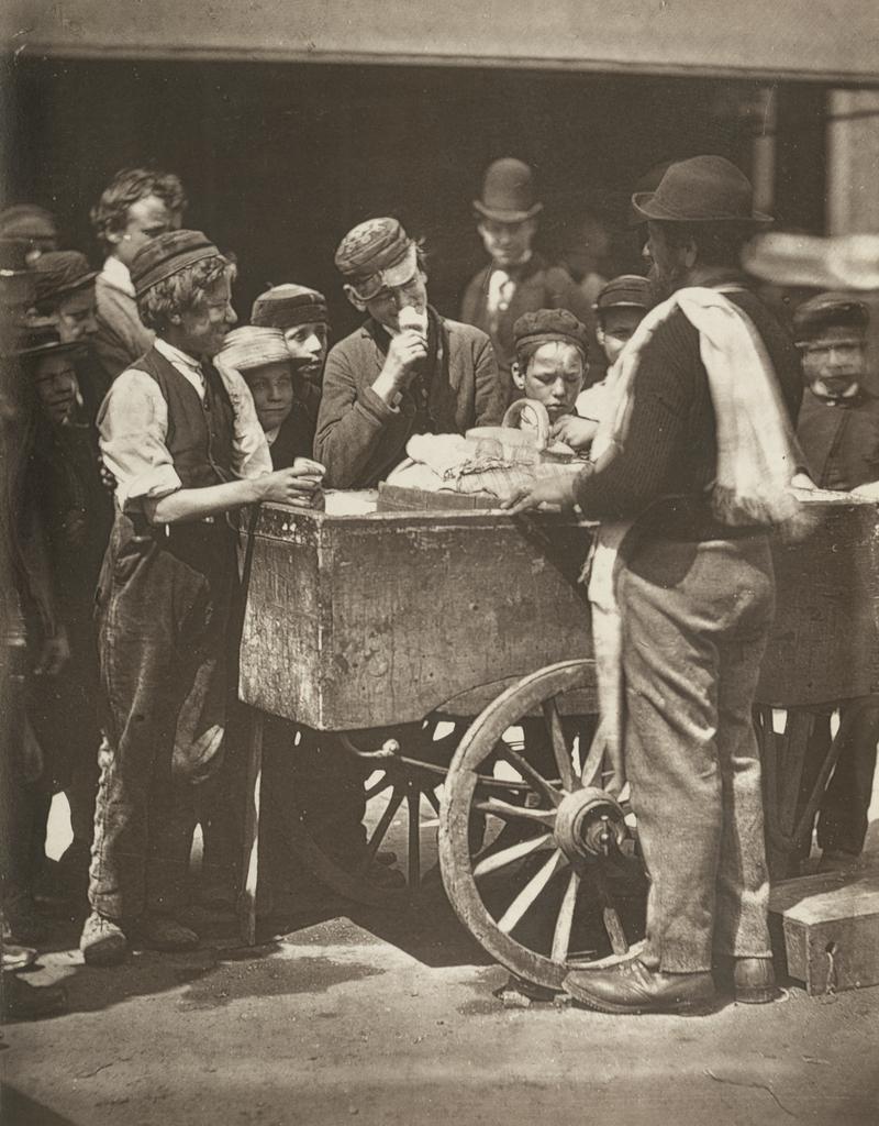 Fotó: John Thomson: Félpennys fagylalt, London, 1877 © Hulton Archive/Getty Images
