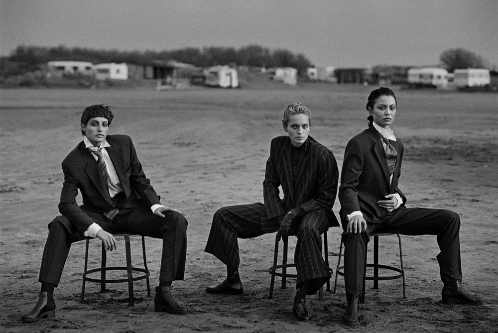 Fotó: Peter Lindbergh: Alexandra Carlsson, Beri Smither, Harue Miyamoto, Beauduc, 1993 © Peter Lindbergh (All photos courtesy of the Peter Lindbergh Foundation)